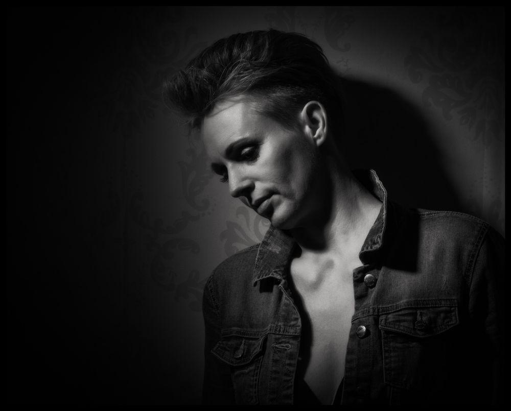 Photo in Portrait #studio #monochrome