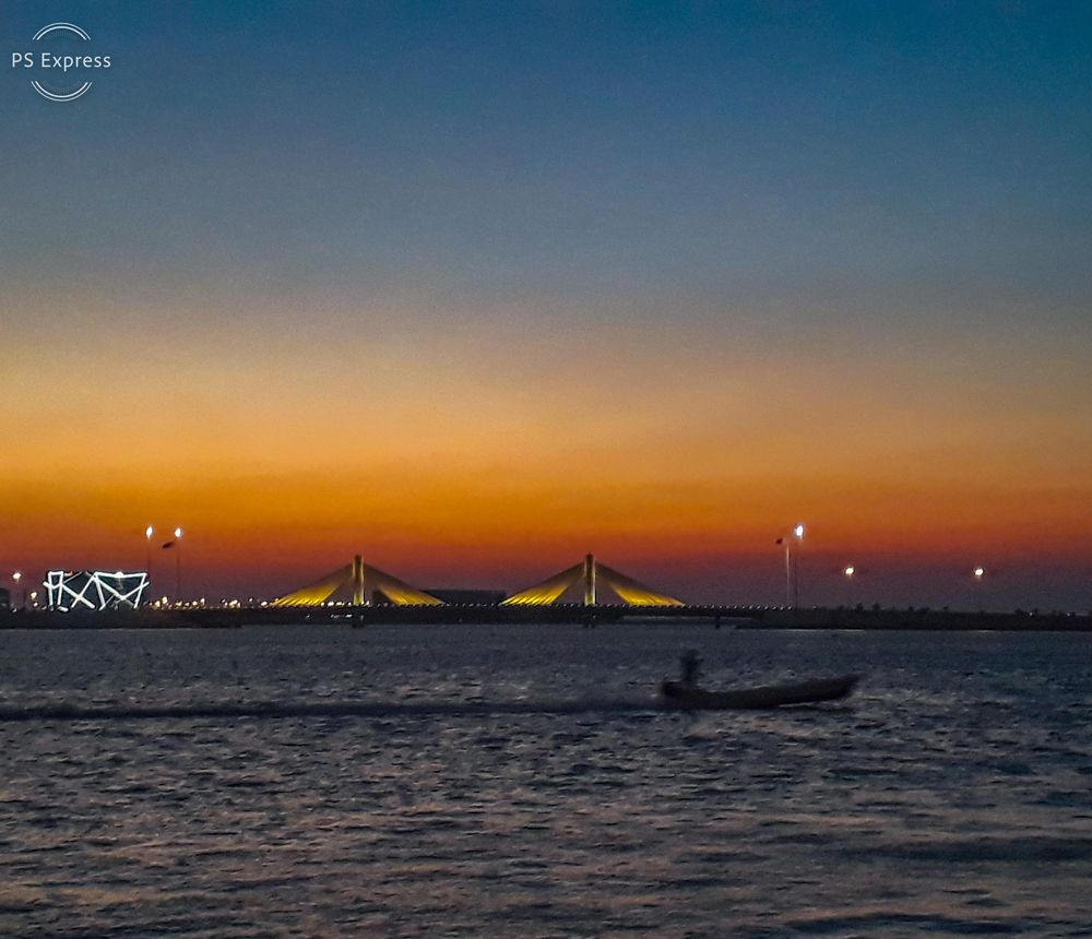 Photo in Nature #sunset #photi #photo #photography #colors #boat #man #sea #water #lights #moving