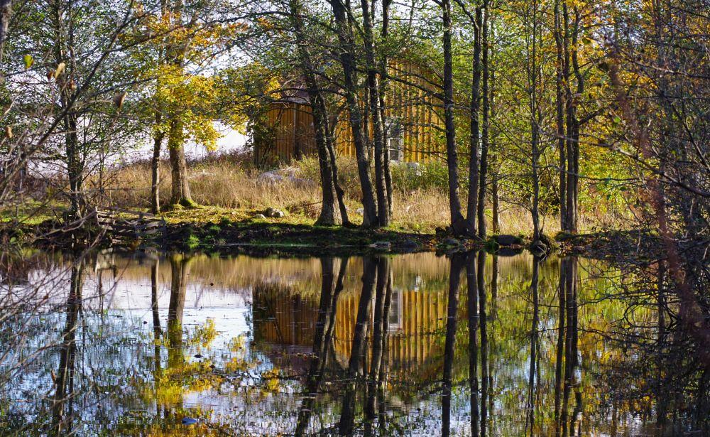 Photo in Random #åland #house #mirror #water #nature