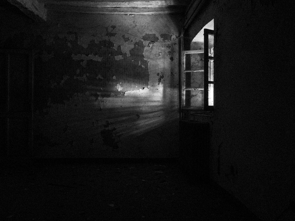 Photo in Black and White #blackandwhite #blackandwhitephoto #abandon #decay #pietas #urbanexploration
