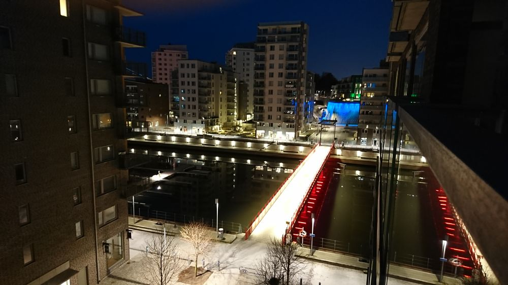 Photo in Urban #nightshot #gothenburg #nofilter
