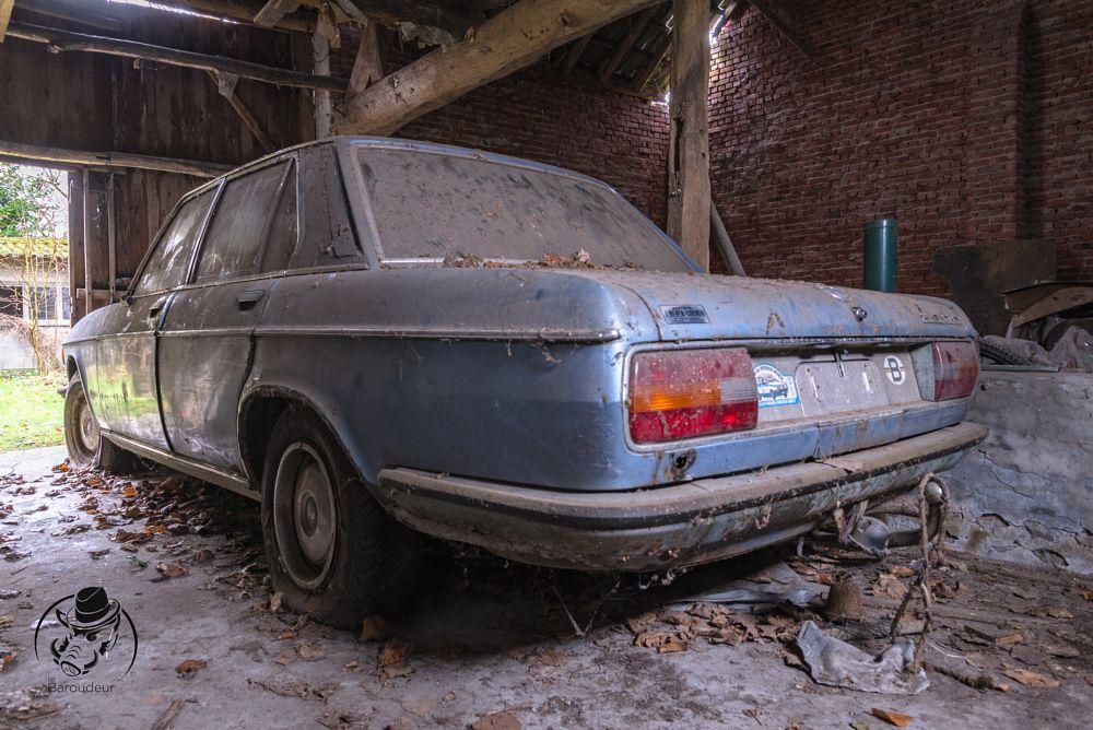 Photo in Urban #urbex #urban #exploration #baroudeur #ballade du dimanche #baroudeur photography #voiture #bmw #cars #maison #house #gandhi
