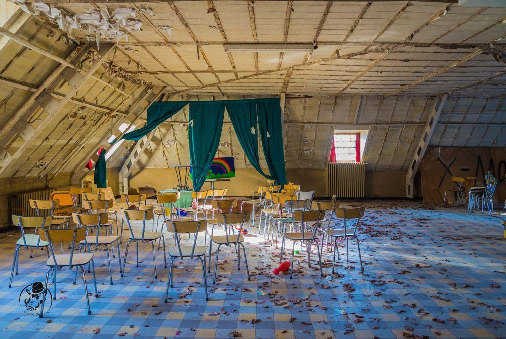 Photo in Urban #urban #urbex #decay #exploration #baroudeur #baroudeur photography #asile #asylum #lost asylum