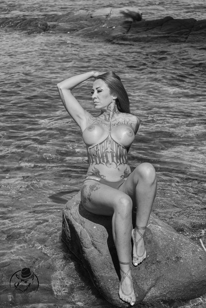 Photo in Nude #baroudeur #baroudeur photography #france #julie #le baroudeur en voyage #modele