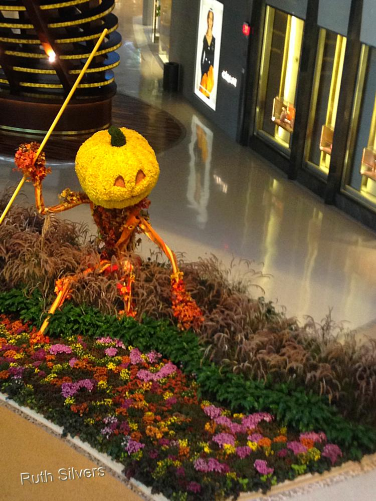 Photo in Travel #fall #decorations #vegas