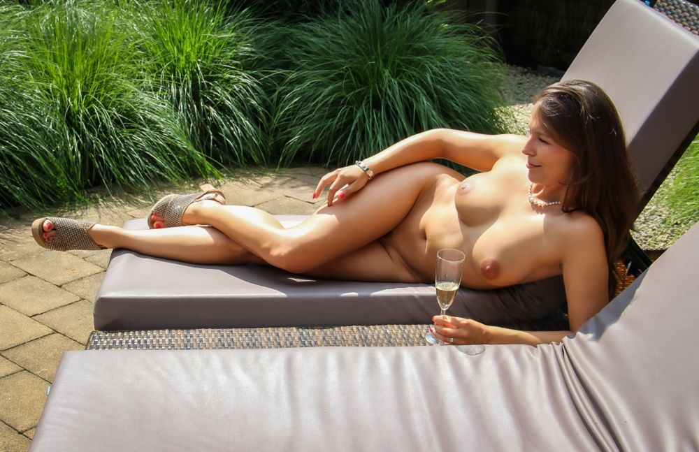 Photo in Nude with model Naturalcurved  #naturalcurved #female #nude #breasts #nipples #long legs #tanned skin #brunette