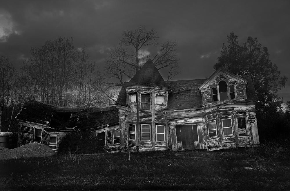 Photo in Black and White #haunted #abandoned #black and white #old house