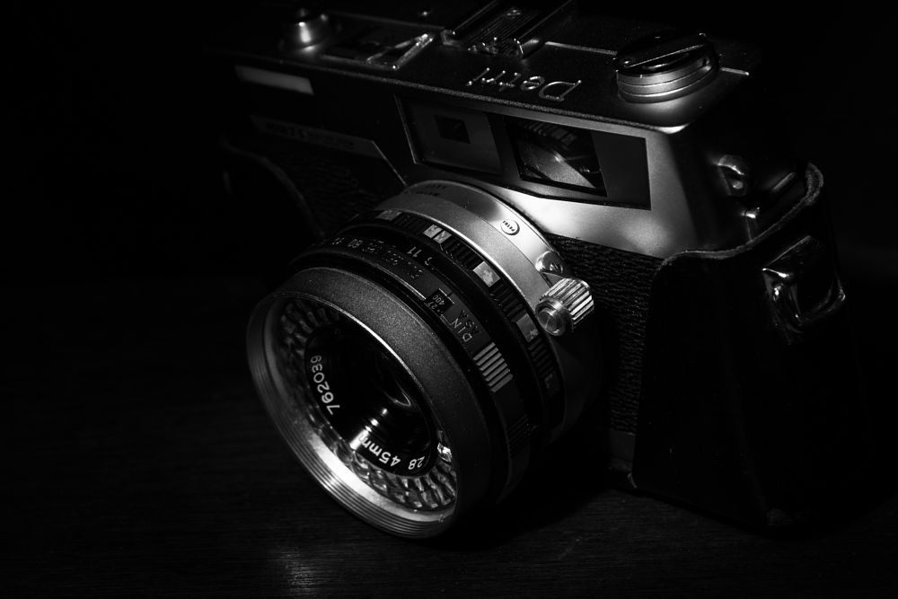 Photo in Random #rangefinder #blackandwhite #bnw #spotlight #snoot #flashphotography #neewerflash #canon #canonrebelt6 #canon1300d #kitlens