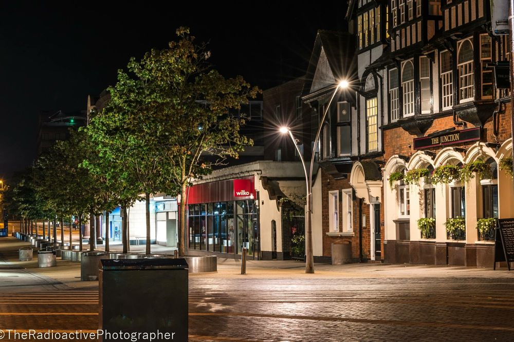 Photo in Travel #night #nighttime #night time #redhill #surrey #night photography #long exposure #pub #city #city life #country #pattern #empty #evening #town