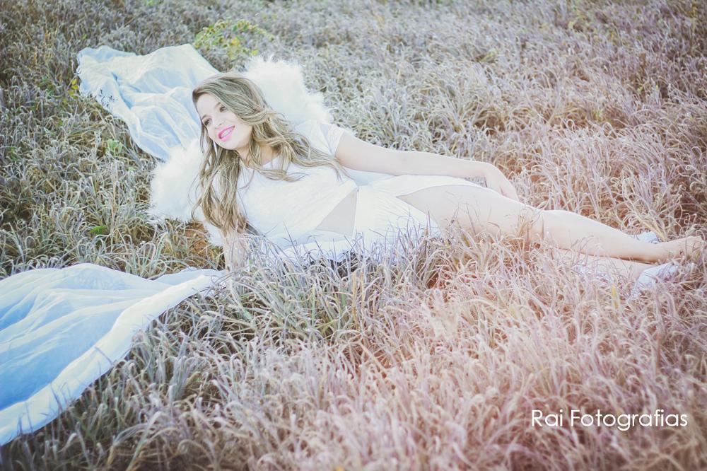 Photo in Portrait #retratos #fotografias #anjo #natureza #vida #sorriso #ellas #mulheres #nature #beautiful #warm #view #perfect #canon