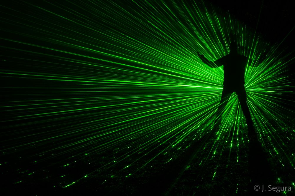 Photo in Abstract #noche #night #nocturna #nocturnal #largaexposicion #longexposure #lightpainting #laser