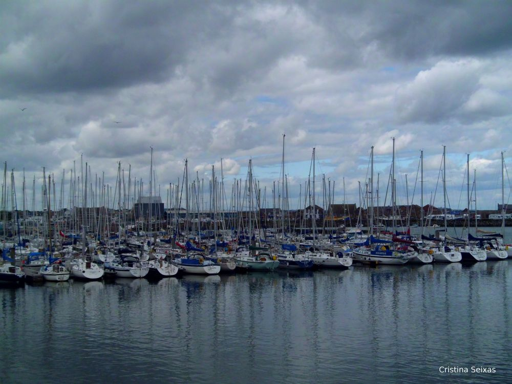 Photo in Sea and Sand #boats #sea #mar #barcos #howth