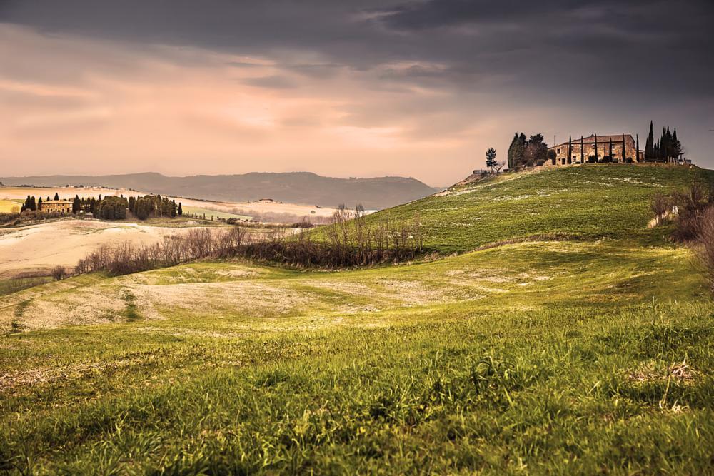 Photo in Landscape #toscana #landscape #paesaggi #collina #casa #casale #viaggi #turismo
