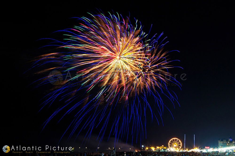 Photo in Random #fireworks #4th #july #usa #night #bright #fire #works #display #colorful
