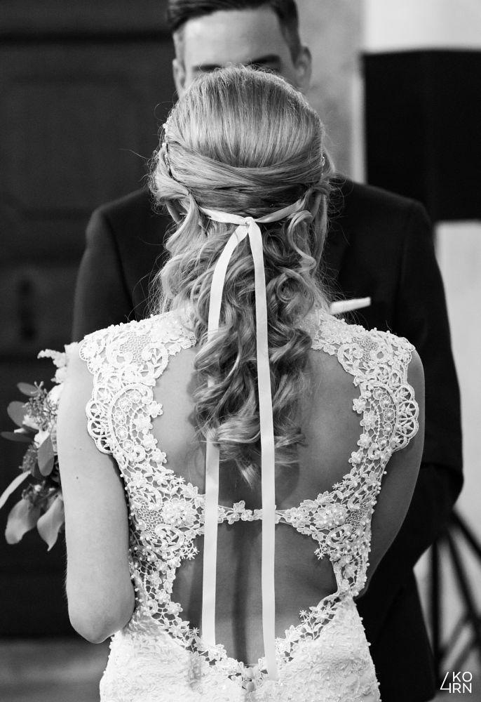 Photo in Wedding #wedding #bride #groom #black and white #bnw #blackandwhite #church #flower #back #shooting #portrait
