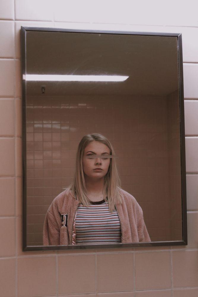 Photo in Random #girl #mirror #pink #blur #dark #aesthetic #person
