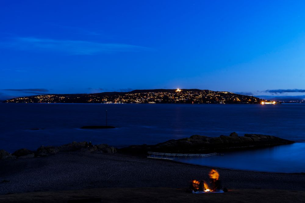 Photo in Sea and Sand #oslo #fire #huk #bygdøy #bluehour #seaandsand