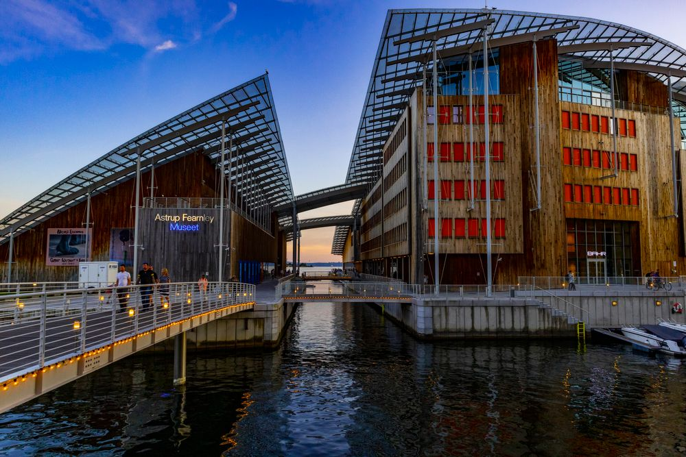 Photo in Architecture #oslo #norway #astrupfearnley #bluehour #architecture