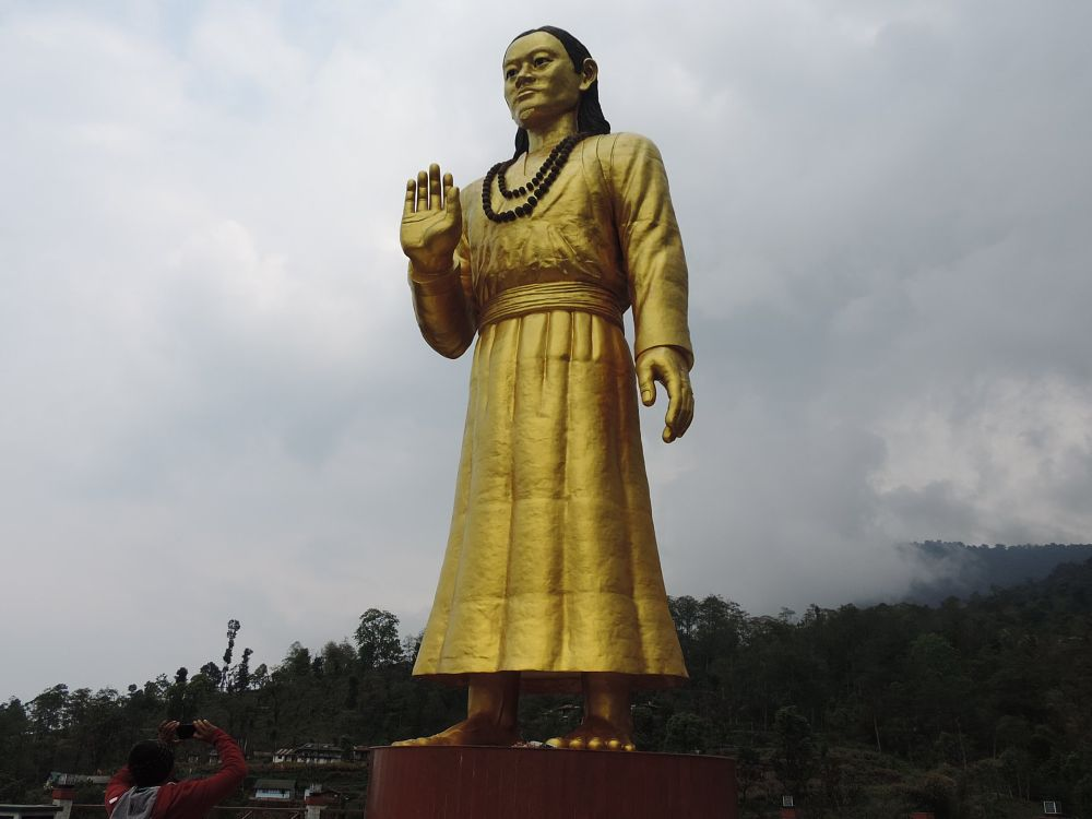 Photo in Nature #himalayas #himalaya #mountains #gangtok #tourindia #tourist #spotview #indiantourist #peakview #tallstatue #statue #statue in  india #clouds #climate #weather lovr #love