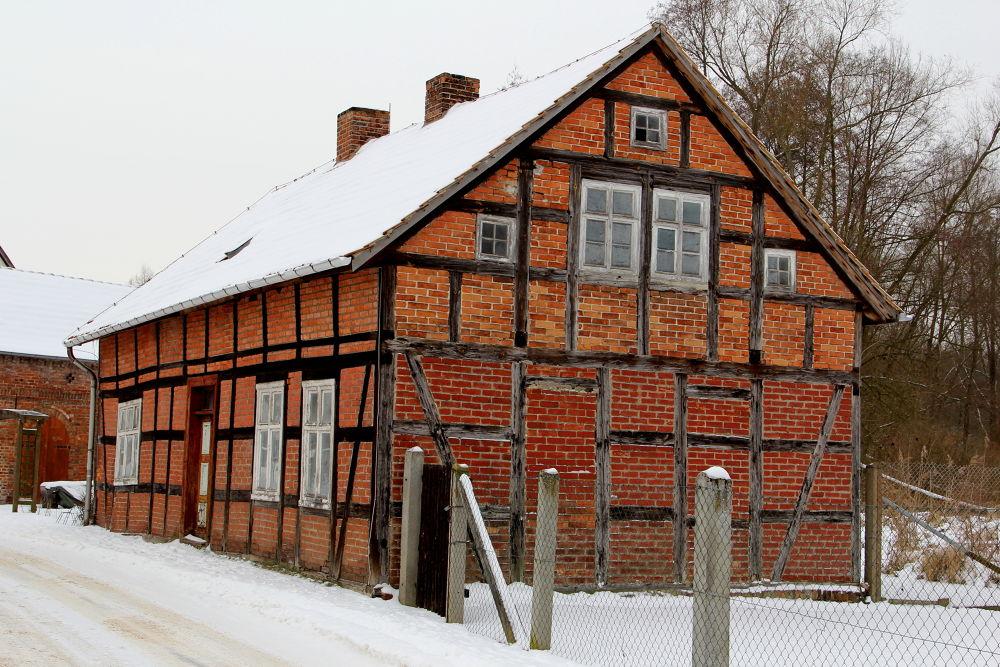 Photo in Random #house #winter #old #snow #spreewald