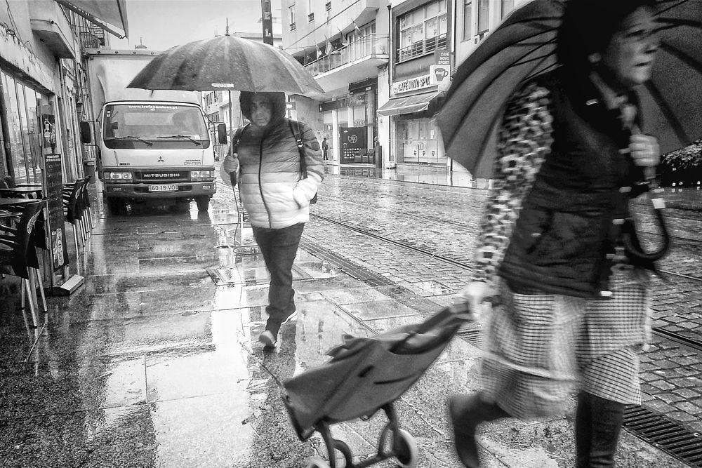 Photo in Black and White #black and white #monochrome #mobilphography #landscape #black&white #light #expression #storytellin #city #b&w #portugal #porto