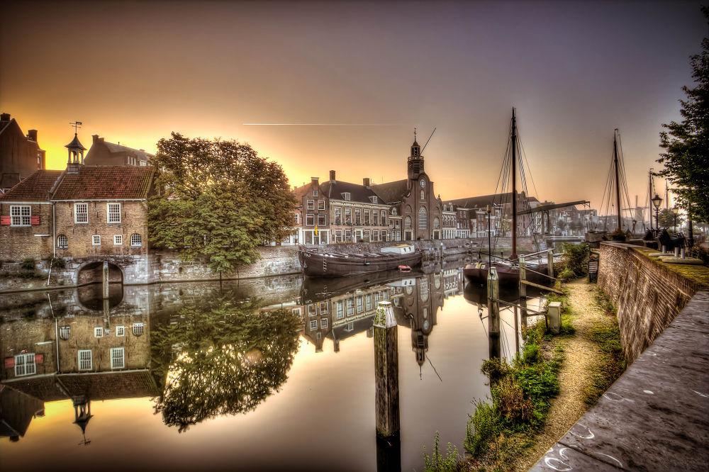 Photo in Random #city #sunrise #hdr #boat #reflections #rotterdam #delfshaven