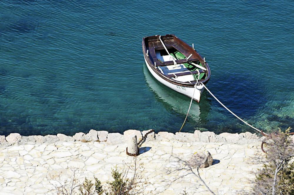 Photo in Sea and Sand #boat #sea #emeralds #barca #mare #smeraldi #croazia #ph luca bortolazzi #www.lucabortolazzi.com #facebook personal page: http:/ #facebook public page: http://w #twitter: https://twitter.com/y #youtube: http://www.youtube.co #linkedin: http://www.linkedin. #instagram: lucabortolazziph