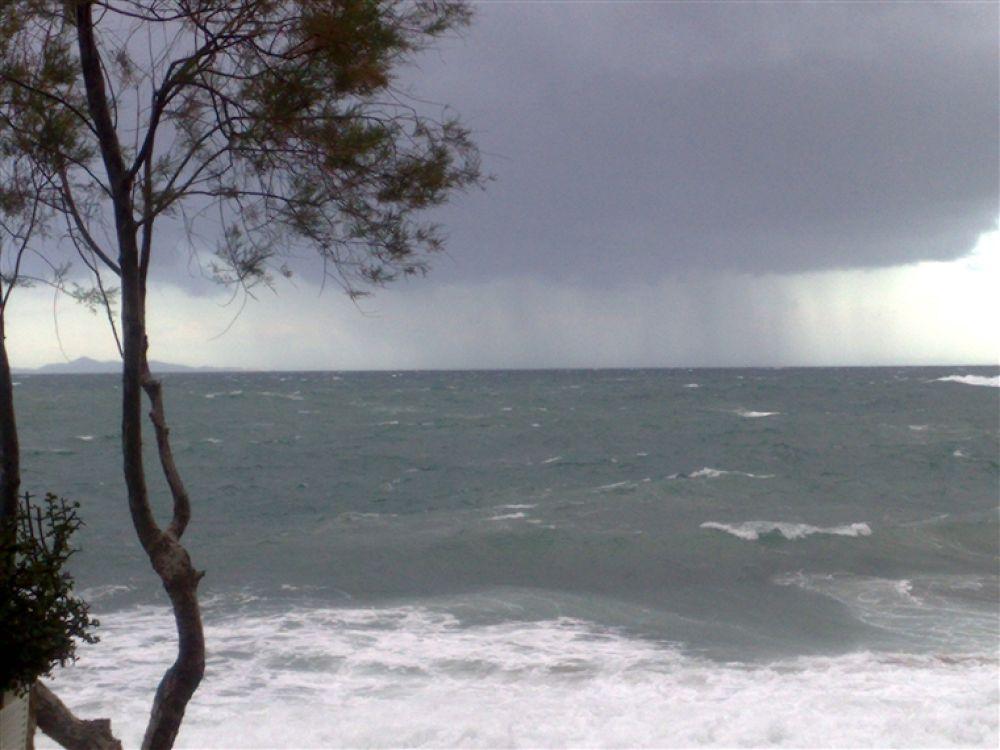 Photo in Random #island #- #tzia #storm #ahead