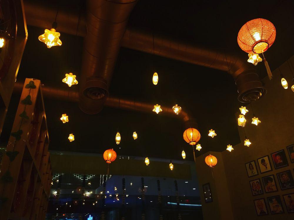 Photo in Random #restaurant #chinese #interior #light #decor #photography #food