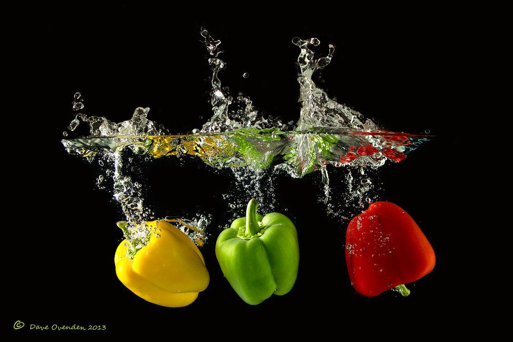 Photo in Random #water #green #red #yellow #pepper #splash #ovenden