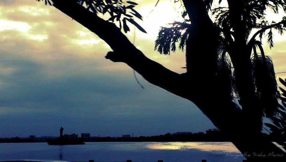 Photo in Random #city #light #lake #beauty #travel #living #india #evening #tank bund #hussainsagar #places