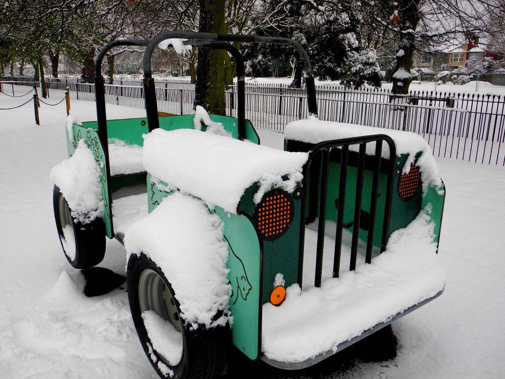 Photo in Random #london #snow #car #ice
