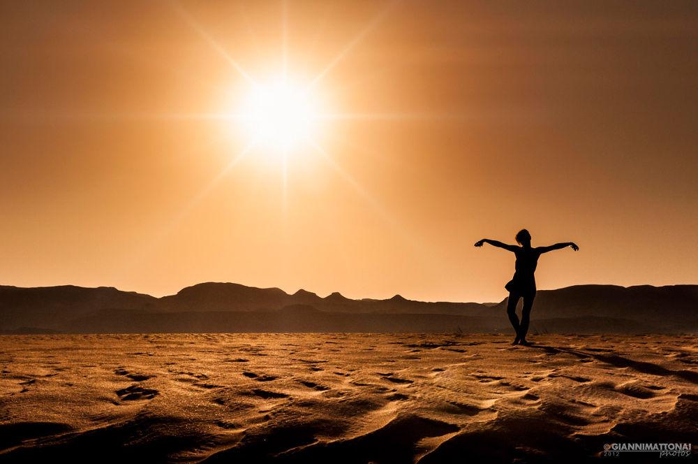 Photo in Random #dancing #desertsandsunsetwomennikonjord