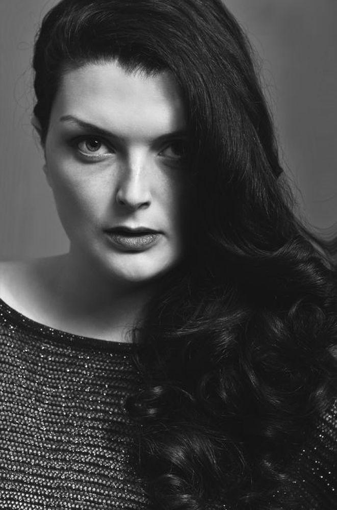 Photo in Random #www.laura-modele.book.fr #laura andress